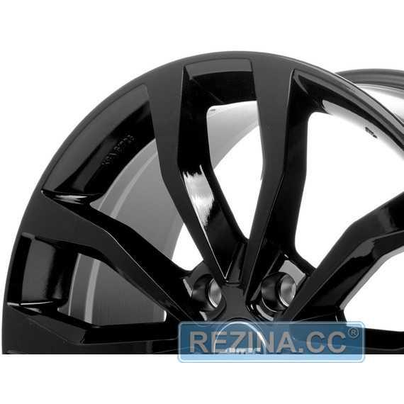 Купить Легковой диск AUTEC Uteca Schwarz glanzend R17 W7.5 PCD5x114.3 ET40 DIA70.1
