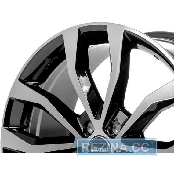 Купить Легковой диск AUTEC Uteca Schwarz poliert R18 W8 PCD5x114.3 ET35 DIA70.1