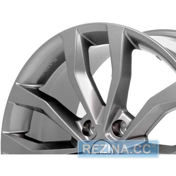 Купить Легковой диск AUTEC Uteca Titansilber R17 W7.5 PCD5x112 ET36 DIA57.1