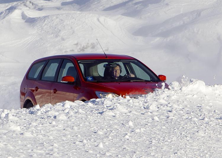 Почему нельзя покупать только две зимние шины? – rezina.cc